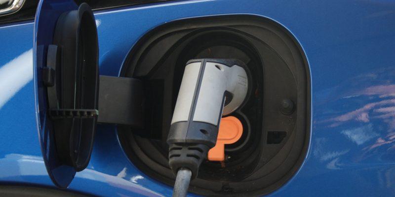Persbericht: Eerste platform over elektrisch rijden voor consument gelanceerd